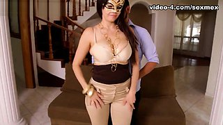 Carolina in Cleavage Video - SexMex