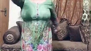 Paki aunty