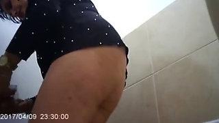 whore toilet pissing compilation 240P 400K 274996301