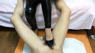 Chinese femdomdeЕblack high heels footjobdeЕfoot worship siren