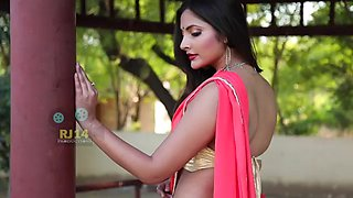 Bedroom saree beautifull khyati sharma tease