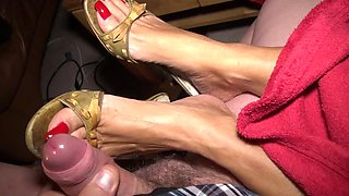 Horny toenailsjob