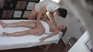 Czech HOT Babe Spreads Wet Pussy in Sensual Encounter