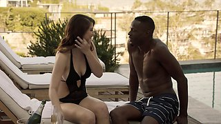 Girlfriend Cheats With BBC on Vacation