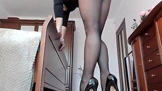 Pantyhose masturbation show