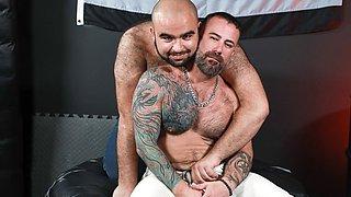 The Rhino & Ago Viera in The Bear Den - Ago Viera & The Rhino - PrideStudios