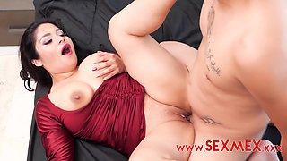 Mia Sanz - Seductive Auntie In Hd
