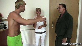 Parents seduce and fuck son\'s girlfriend