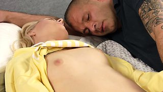 Natural teenie spreads yummy snatch and gets deflorated85BvU