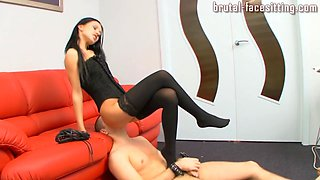 Brutal-FaceSitting Video: Kristina