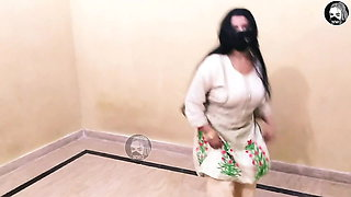 Hot and sexy Pakistani dance video