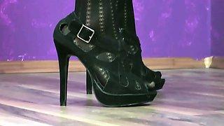 AnnikaRose - Nylons und High Heels